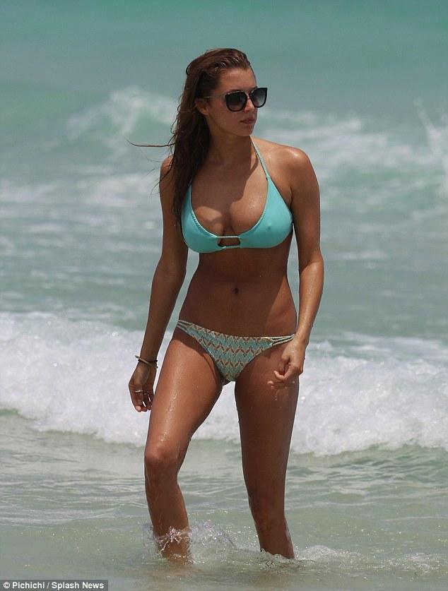 Justin Biebers Yacht Girl Alyssa Arce Shows Off Flawless Bikini Body Daily Mail Online