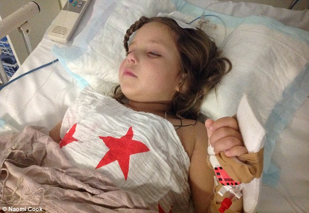 Hana fue diagnosticado con un tumor raro - craneofaringioma - en enero, pero también pasó 10 días en cuidados intensivos después de sufrir de alucinaciones publicar operación