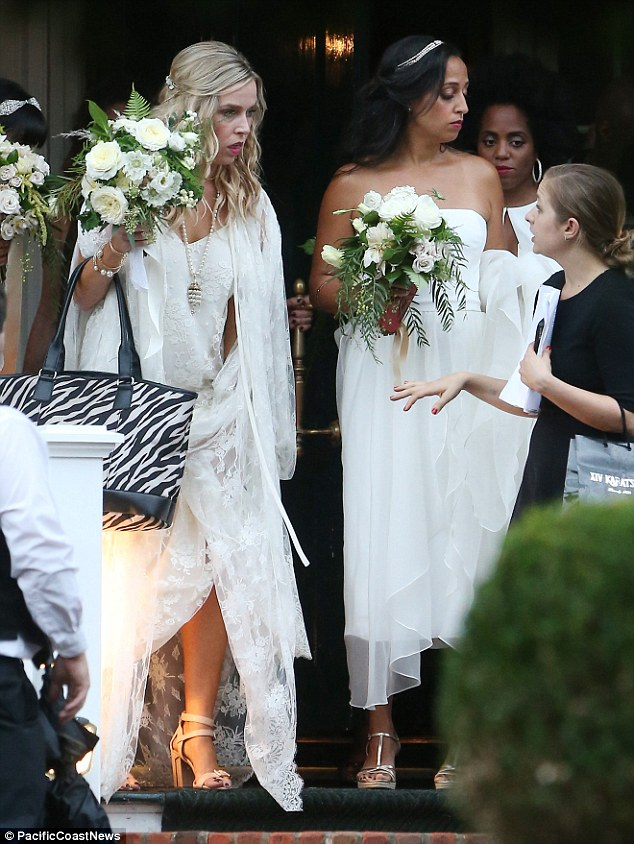 Ashlee Simpson dons lacy gown to marry Evan Ross  Daily Mail Online