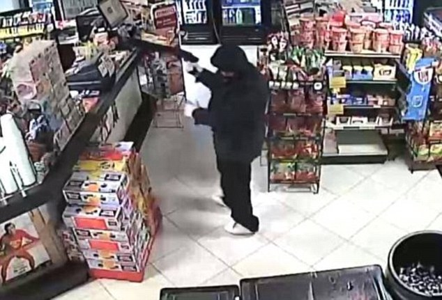 armed rubber shot dead by Shop Owner in Houston | ozara gossip