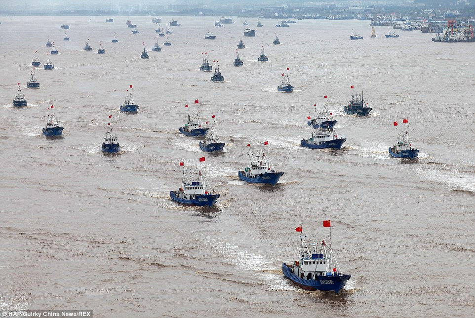 For locals in Ningbo, the annual sight of the boats once again setting out into the Pacific Ocean at the start of the fishing season is a good reason for a day trip out