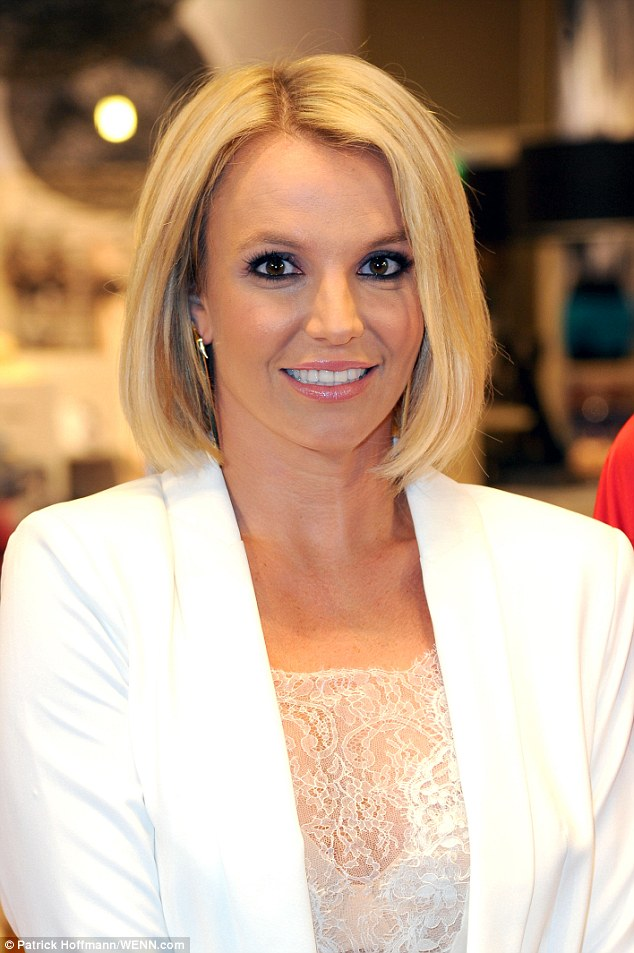 Britney Spears Unveils Sleek Bob As She Reveals Plans To