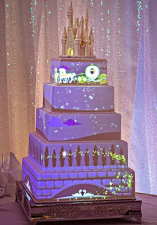 Disney Creates Animated Wedding Cake With Magical Stories Projected Onto The Icing Daily Mail