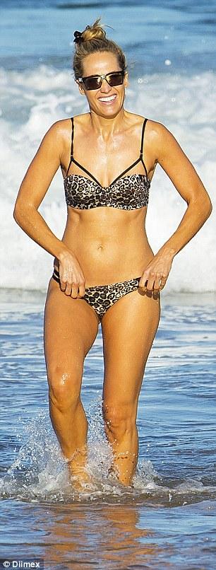 Erika Heynatz dispels pregnancy rumours in bikini with husband Andrew Kingston  Daily Mail Online