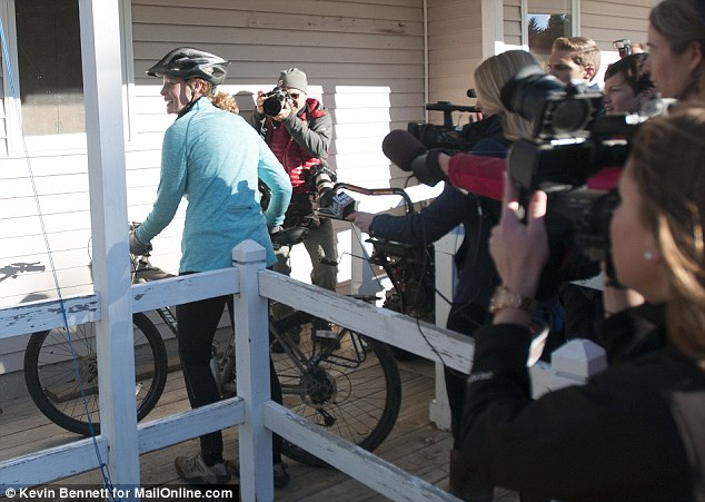 Miss Hickox returned to her home on Thursday morning trailed by reporters after she made the decision to break her Ebola quarantine