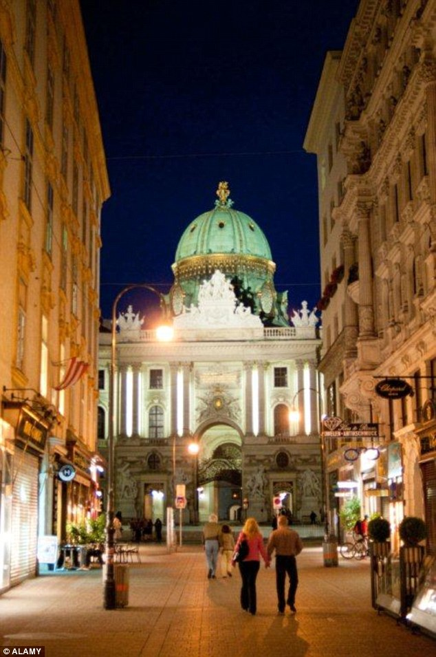 Vienna came in eighth place in the survey. Visitors to the elegant Austrian city praised the world-class musical performances with particular highlights including Viennese concerts, and free filmed operas