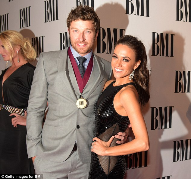 Brett eldredge dating in Brisbane