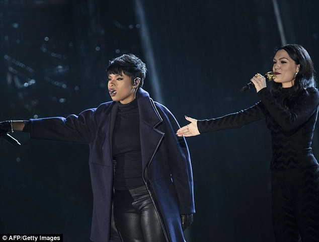 Jennifer Hudson performed alongside British singer Jesse J at the event
