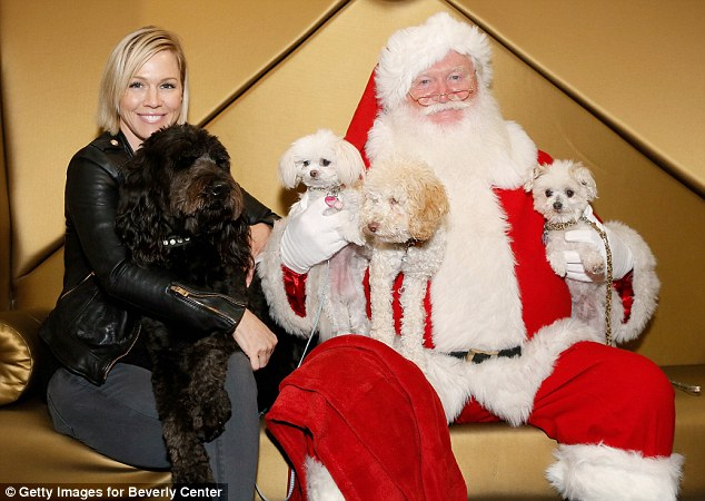 Jennie Garth Takes A Holiday Portrait With Her Two Dogs At