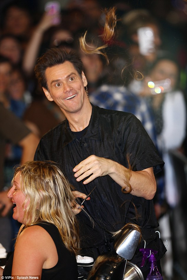 Jim Carrey Leaves Fan BALD After Dumb And Dumber To
