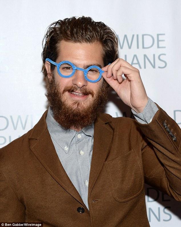 Andrew Garfield Glasses : andrew, garfield, glasses, Andrew, Garfield, Lacks, Specs, Appeal, Overgrown, Beard, Worldwide, Orphans, Daily, Online