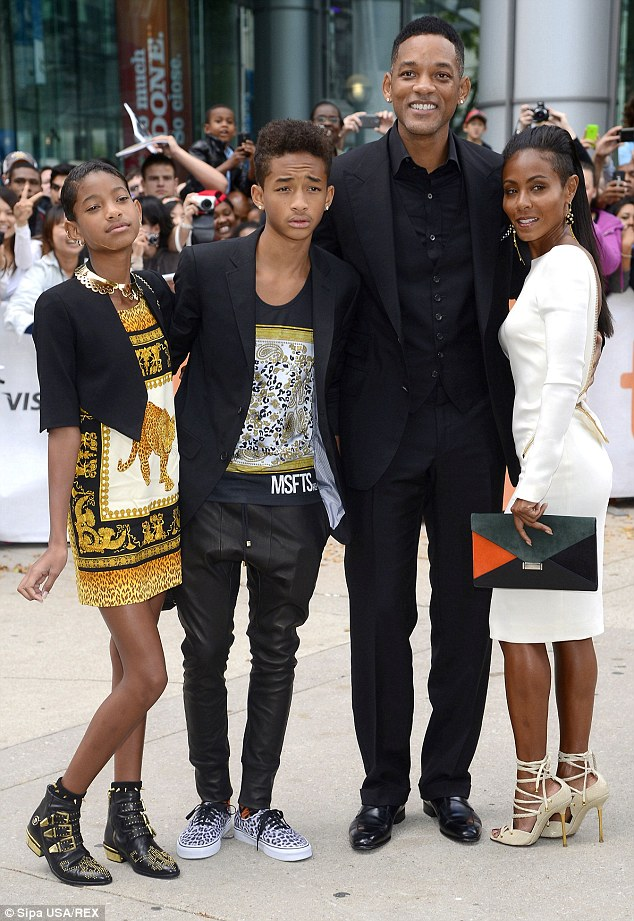 The Smith Kids : smith, Smith's, Children, Ridiculed, Boasting, Control, Daily, Online