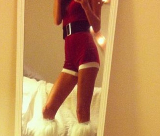Sexy Santa Esther Anderson Was An Arresting Sight When She Donned A Christmas Outfit Complete