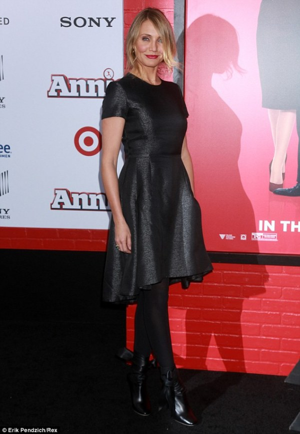 Cameron Diaz arrives to New York Annie premiere in