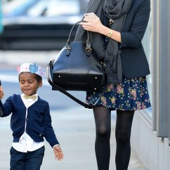 The Leather Sofa Company Uk Air Furniture Charlize Theron's Son Dons A Paper Crown With Mum And ...
