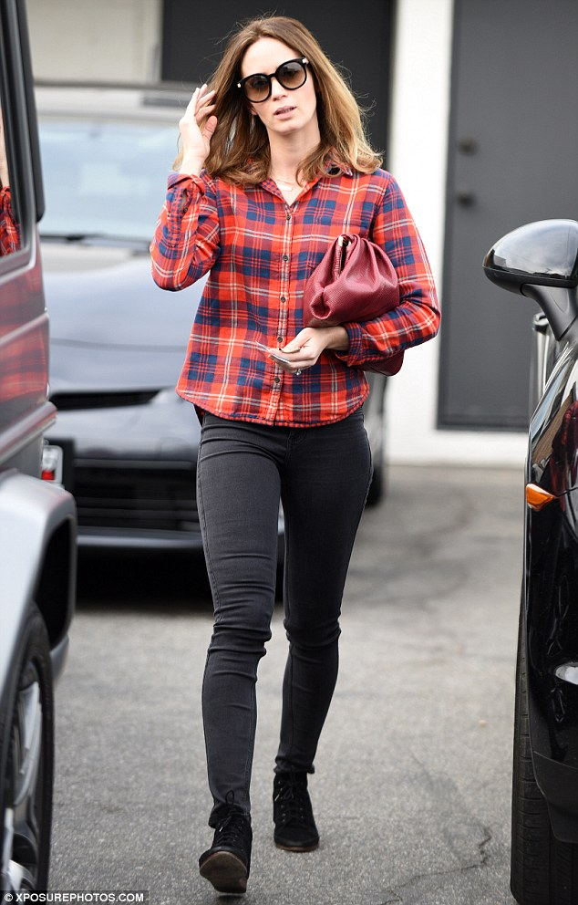 Emily Blunt Highlights Her Svelte Post Baby Body In A