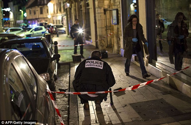 Thirteen people were injured in Dijon when a psychiatric patient ploughed his car into a crowd of pedestrians. The 40-year-old, known to police in the area, was arrested at the scene