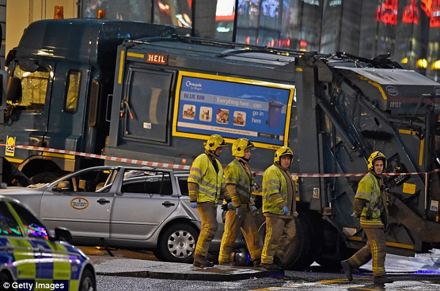 Six people have died and eigh are injured after a bin lorry crashed onto a crowded pavement near a busy square and station in Glasgow city centre