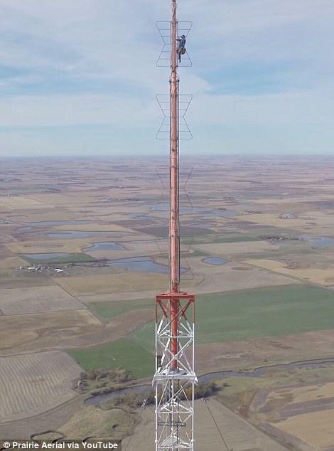 Sioux Falls Wallpaper The Vertigo Inducing Moment A Daredevil Climbs 1 500 Feet