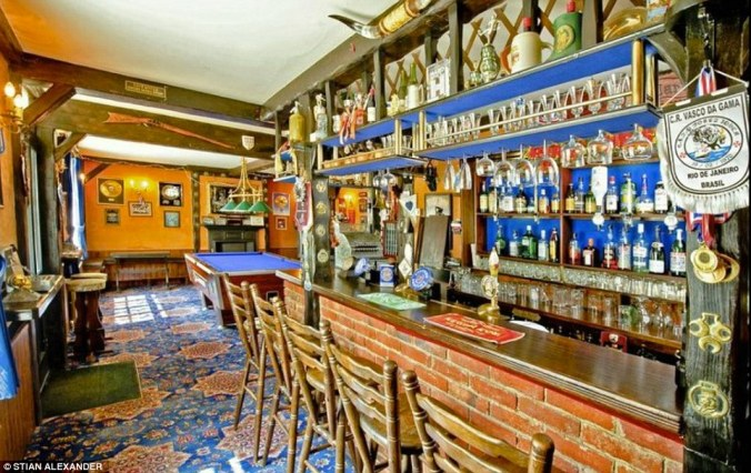 If staying in is the new going out, this house allows you the best of both worlds with its own fully-stocked bar with pool table