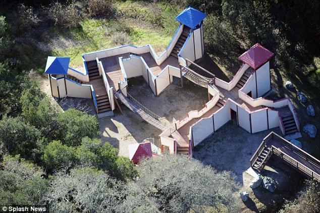 Disrepair: Esta foto tirada em 2013 mostra a extensão do descaso sofrido pela propriedade