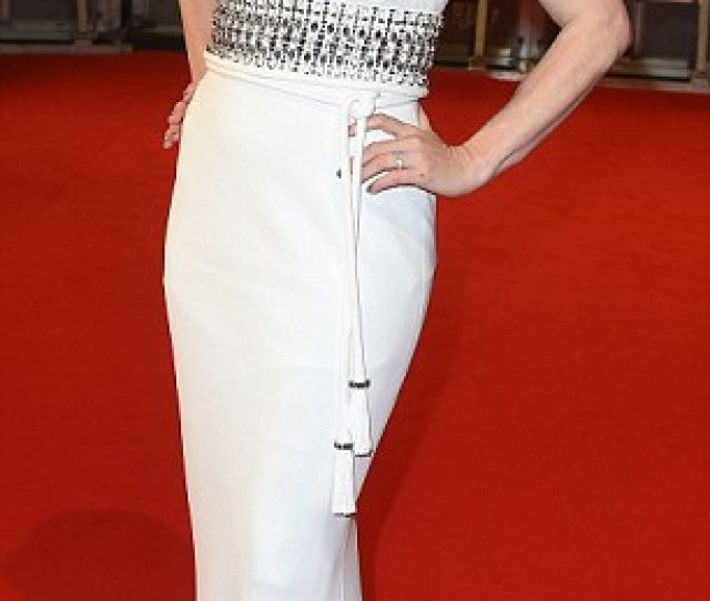 White On Trend Amy Adams Brought A Touch Of American Glamour To The Ee British