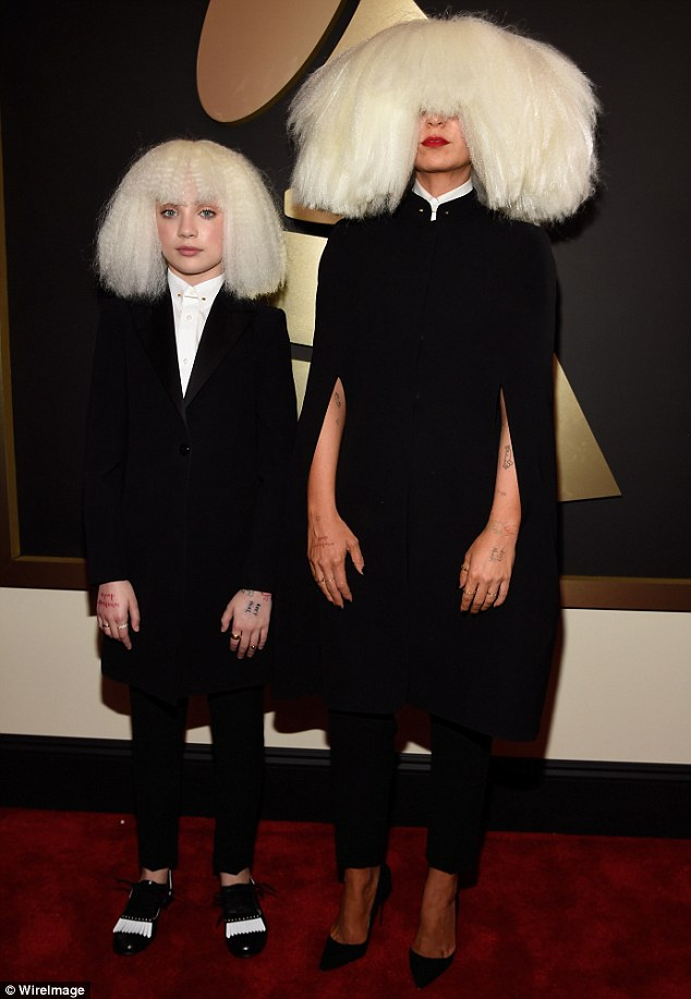Sia Real Name : Story, Behind, Singer, REFUSES, Daily, Online