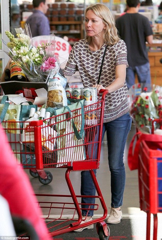 Naomi Watts Cuts A Casual Figure As She Buys Flowers And