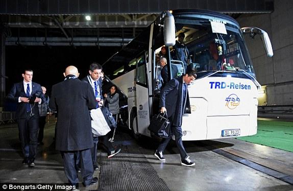 Schalke 0-2 Real Madrid MATCH REPORT: Plus Basle 1-1 Porto ...