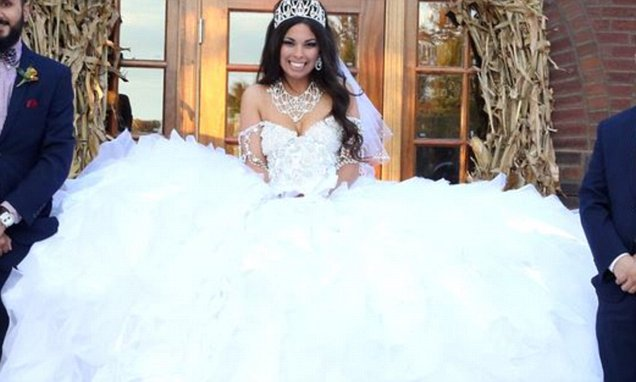 My Big Fat Gypsy Wedding Gown Is Made From 1,200ft Of