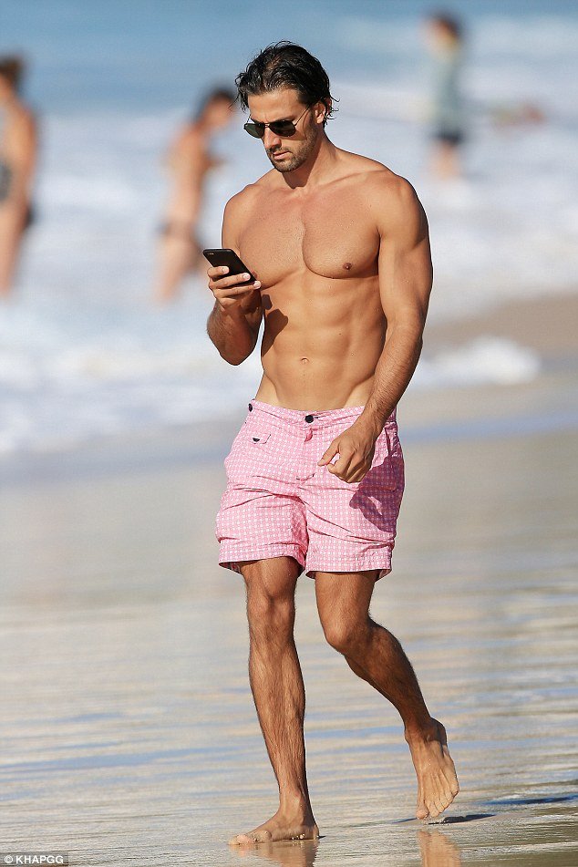Tim Robards Cuts Lonely Figure As He And His Incredible