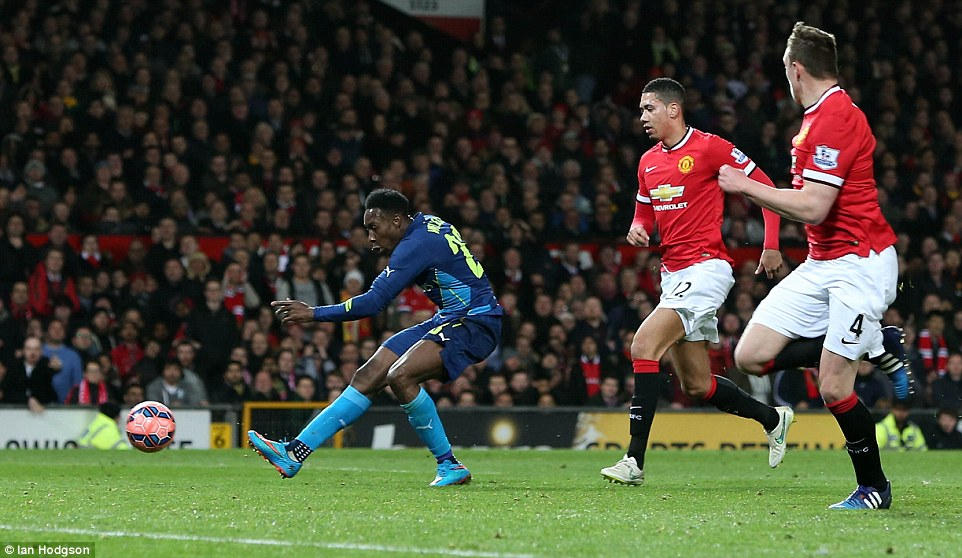 Welbeck placed the ball into an empty net to capitalise on a mistake by Manchester United right back Antonio Valencia