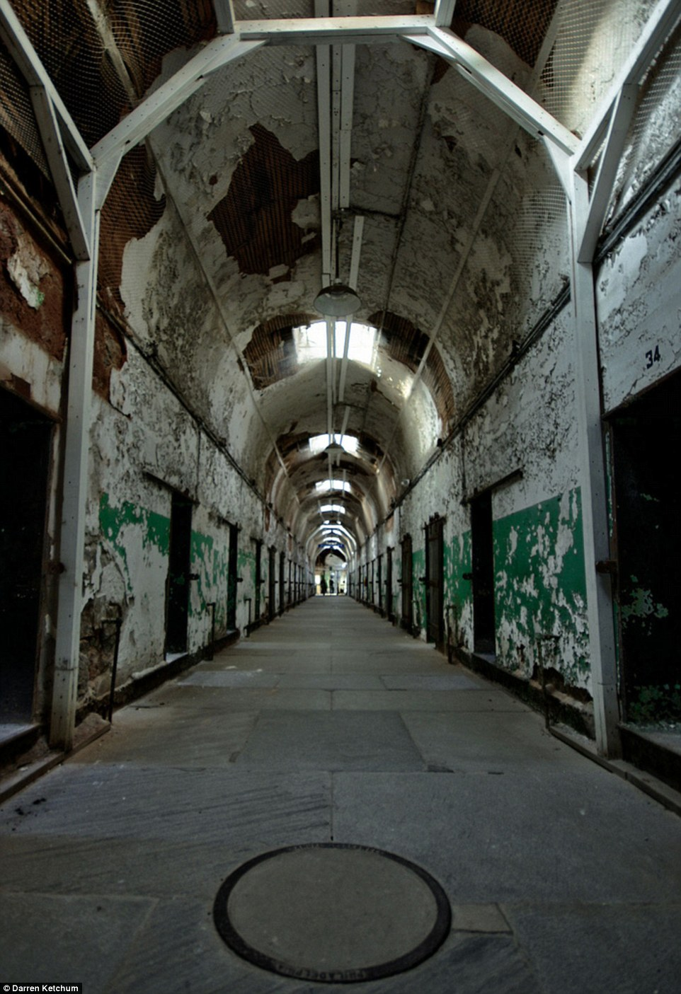 Inside Americas most haunted building Eastern State