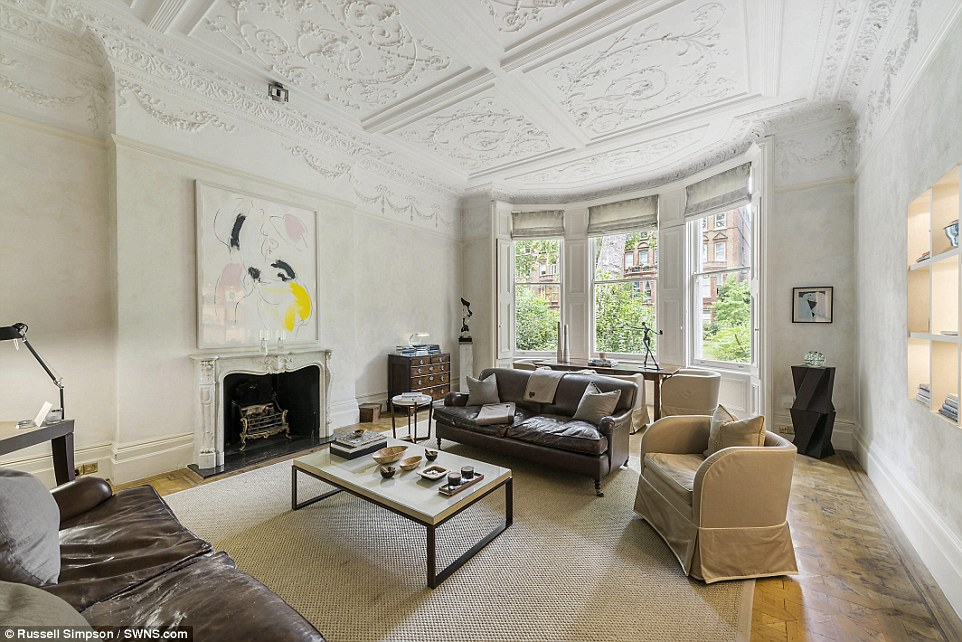 Is this the grandest onebed flat in Britain Chelsea apartment boasting huge drawing room and a