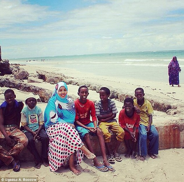 Many of Ugaaso Abukar Boocow's photos show local children playing on the beach