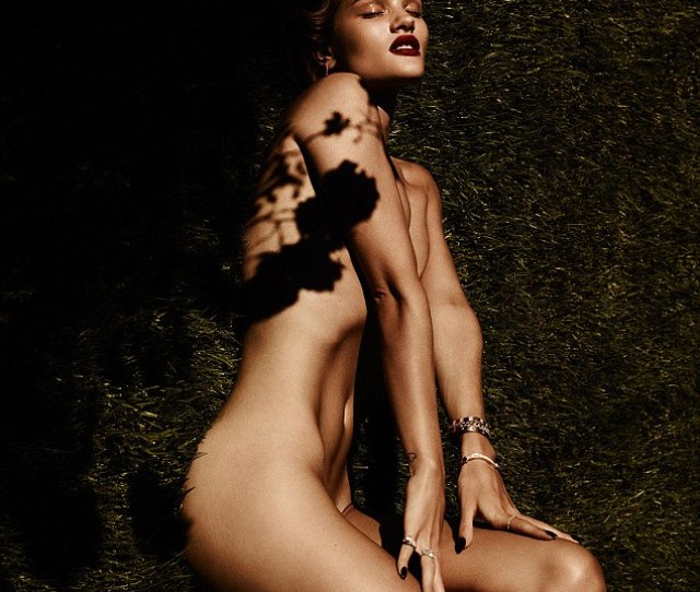 Lawn Ornament Rosie Huntington Whiteley Got Naked In The Grass For A Racy Photo