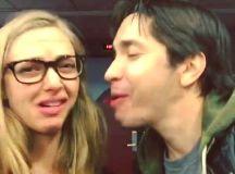 Amanda Seyfried jokingly scowls as boyfriend Justin Long ...