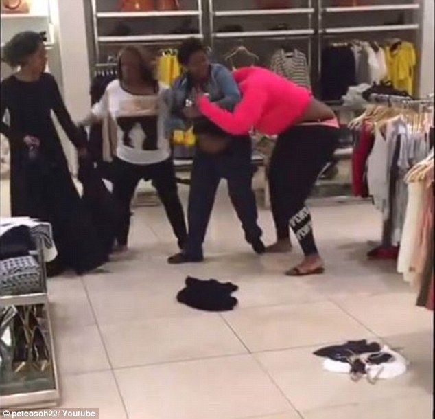 Zara store in Philadelphia sees huge female brawl | Daily ...