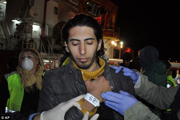 Sabaj Ahmmed fue el tercer miembro de la tripulación presunto intento de llevar a los migrantes, incluidos 23 niños, a Europa