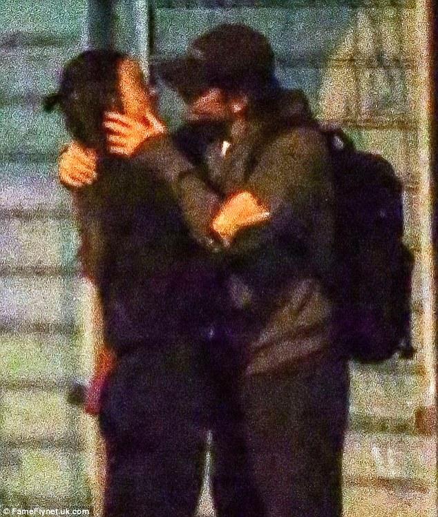 Foto Irina Shayk Dan Bradley Cooper Kepergok Ciuman Mesra