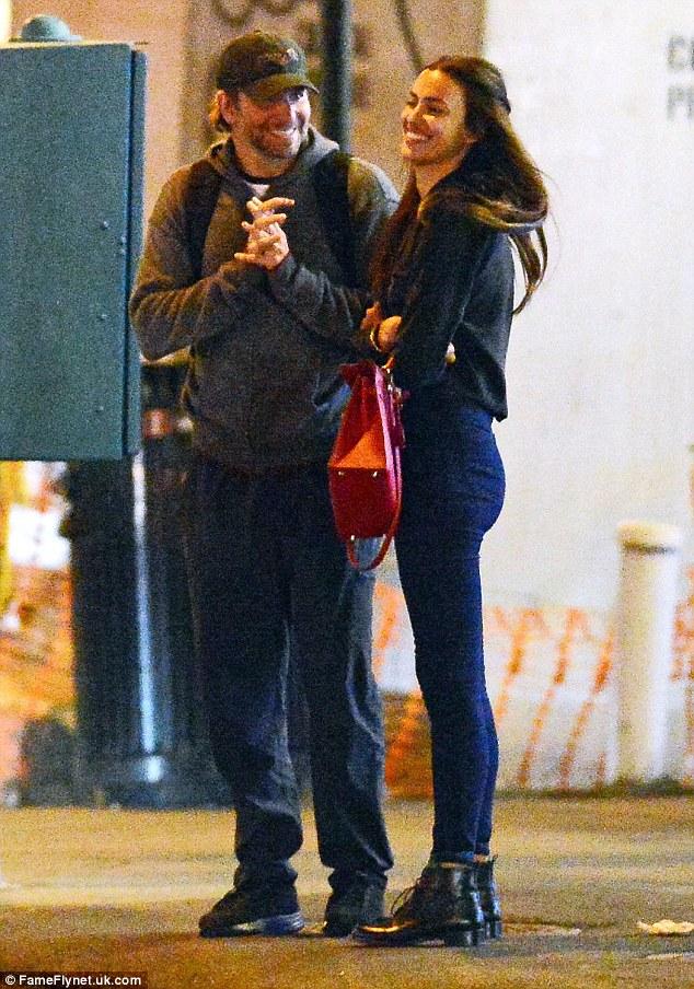 Chappy Cheeky: Bradley menggenggam tangannya dan tampak gembira sebagai Irina tersenyum sendiri
