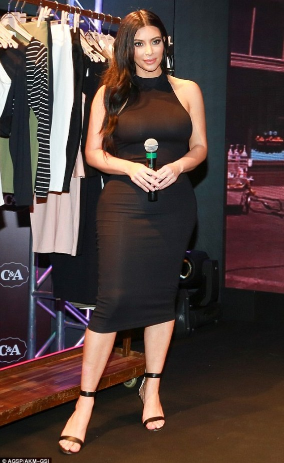 Eye for style: Kim's LBD paired perfectly with her sexy sandal heels