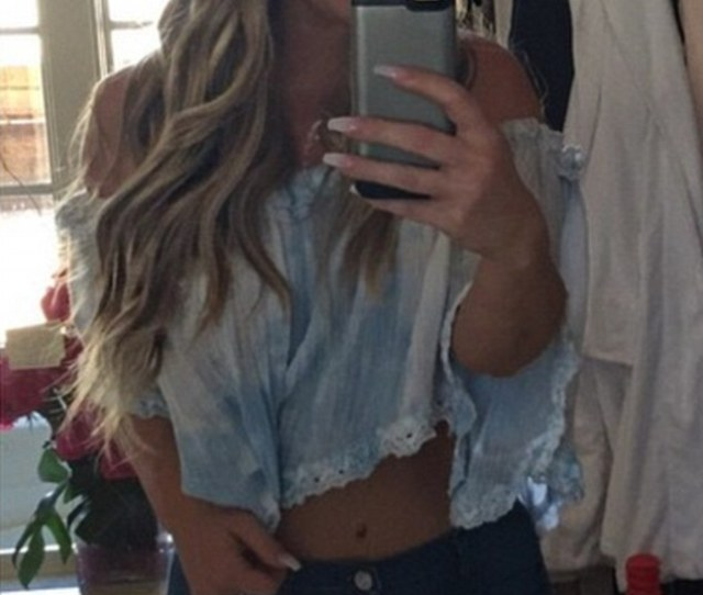 Hot Body Zolciak Showed Off Her Toned Figure When Dressed In Skinny Jeans And A