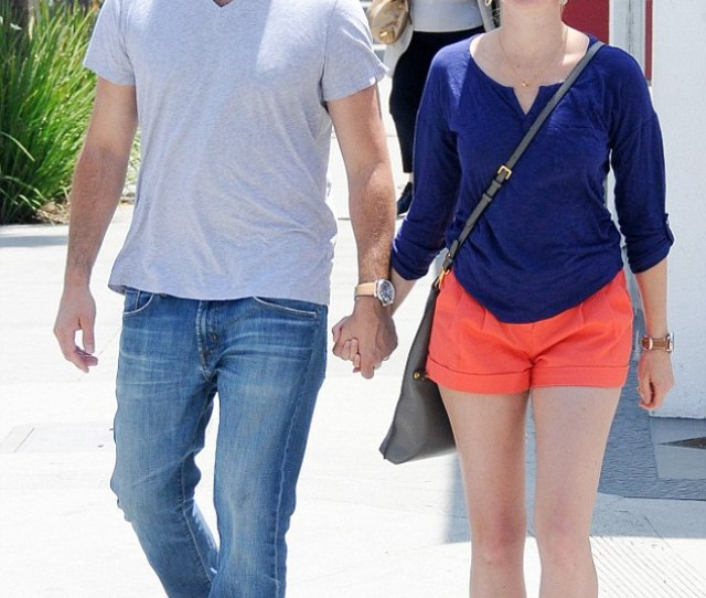 Marriage Is Bliss Amy Smart And Her Husband Carter Oosterhouse Walked Hand In