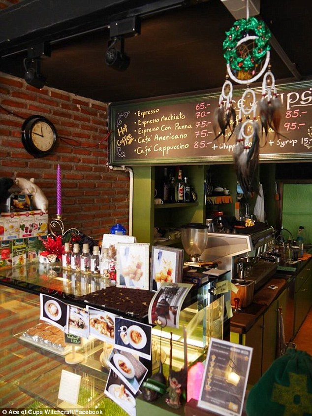 The café caters the coffee, tea, cake and soda drinks corresponding to your astrological sign