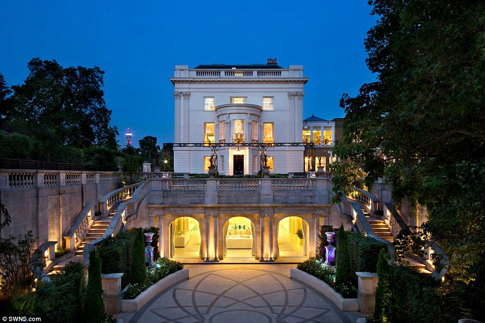 London's Billionaires Say Capital's Mansions Are Like