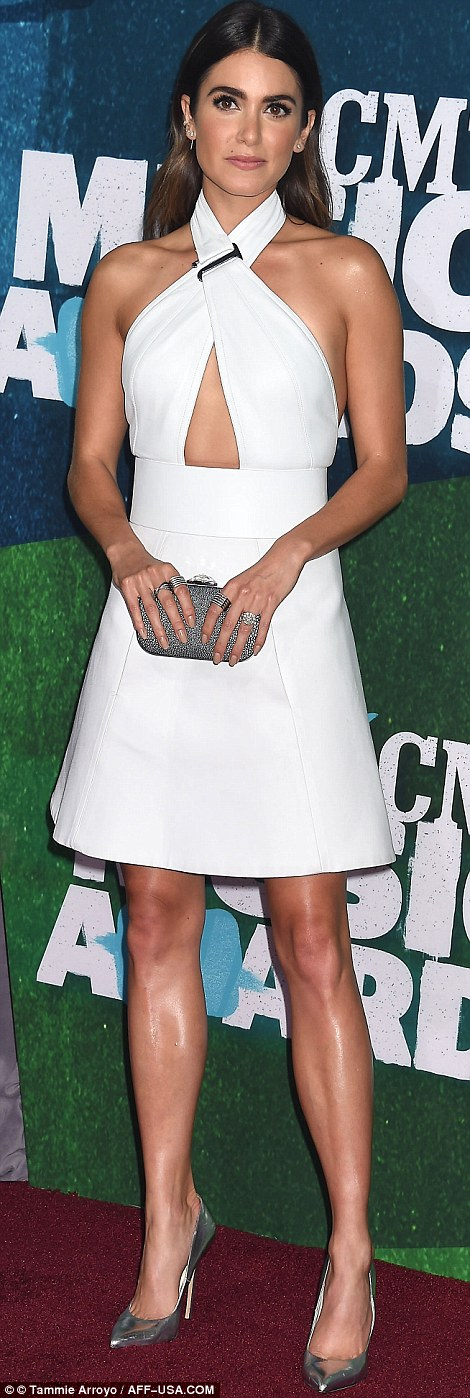 Carrie Underwood Jana Kramer And Kimberly Perry Attend