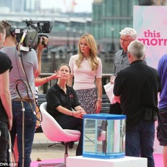 Pink Sofa Dating Uk Bed Etc Reviews Amanda Holden Covers Up In A Demure Pencil Skirt And Pale ...