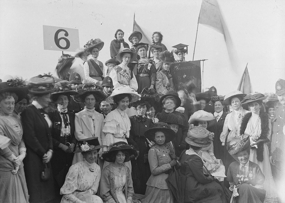 Kuvahaun tulos haulle suffragettes rally