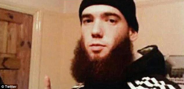 Thomas Evans se convirtió al Islam y se unió a grupo islamista al-Shabaab, matando a gente inocente.  Ahora se ha sabido que el joven de 25 años de edad, se levantó a través de las filas para convertirse en el segundo al mando de su unidad en Kenia